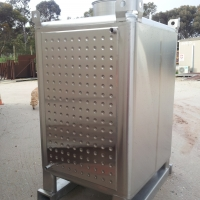TANK STAINLESS STEEL, FORKABLE, WITH COOLING. 2000Ltr.